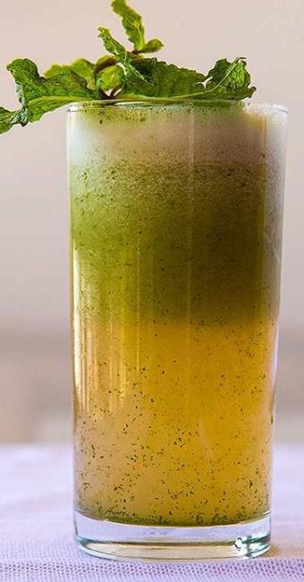 Suco de maça, abacaxi e gengibre: refrescante e bom para emagrecer - Foto: Dorivan Marinho   Ag. A TARDE