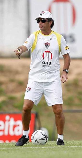 Treinador rubro-negro diz que aguardará por definição de Nino Paraíba até momentos antes do jogo - Foto: Eduardo Martins | Agência A TARDE