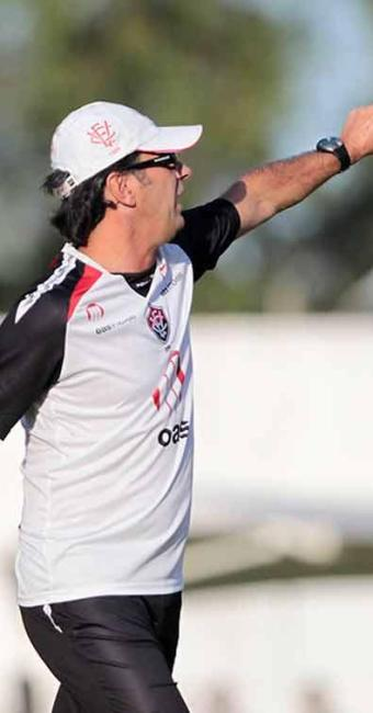 Treinador rubro-negro ajusta detalhes em treino tático e define time titular para o Ba-Vi - Foto: Eduardo Martins | Ag. A TARDE
