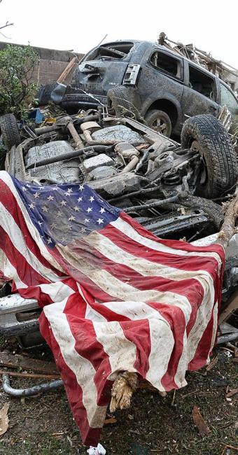 Tornado destruiu construções e matou pelo menos 20 crianças - Foto: Agência Reuters
