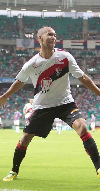 Em boa fase, Dinei é a principal esperança de gol do Vitória para o duelo contra o Salgueiro - Foto: Eduardo Martins | Ag. A TARDE