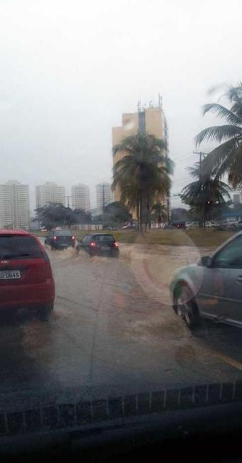 Chuva deixou diversos pontos de alagamentos - Foto: Iloma Sales | Ag. A TARDE