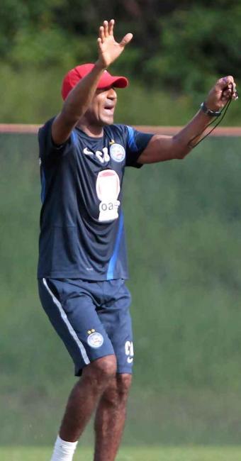 Treinador tricolor comanda treino tático e deverá dar sequência a time titular contra o Inter - Foto: Eduardo Martins | Ag. A TARDE