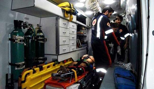 Gideval foi socorrido por uma ambulância do Samu para o Hospital Regional de Eunápolis - Foto: Rafael Amaral | Rastro 101