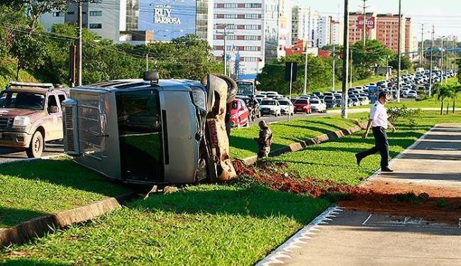 Os feridos eram tripulantes do voo Salvador-Rio de Janeiro - Foto: Fernando Vivas | Ag. A TARDE
