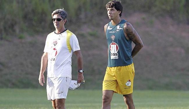 Com liberação de Victor Ramos, Caio Junior tem nova opção para a zaga contra o Juazeirense - Foto: Eduardo Martins   Ag. A Tarde
