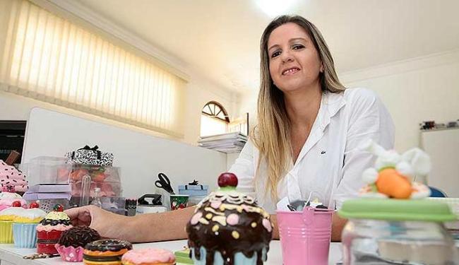 Isabella Curvello é empresária no ramo de doces para casamentos - Foto: Mila Cordeiro | Ag. A TARDE