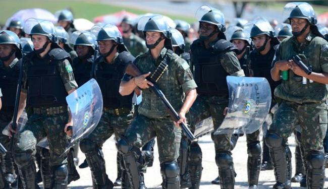 Militares da Operação Planalto 6 participam da cerimônia cívica - Foto: Agência Brasil