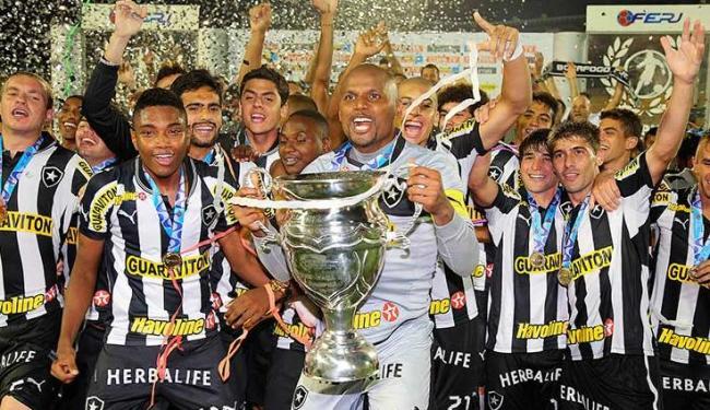 Botafogo derrotou o Flu por 1 a 0, conquistando a Taça Guanabara e seu 20º título carioca - Foto: Satiro Sodre/AGIF
