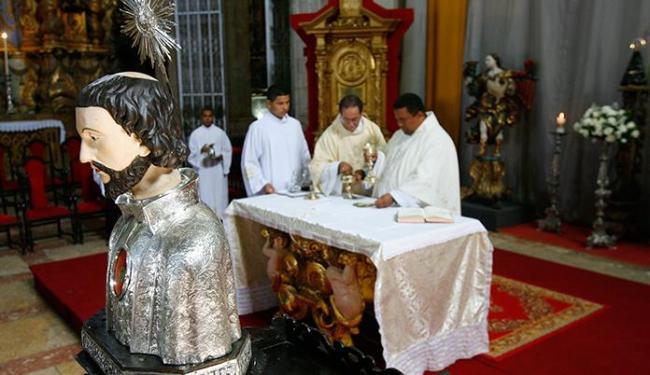 Imagem de São Francisco Xavier e sacerdotes na Catedral Basílica em missa em homenagem ao santo - Foto: Marco Aurélio Martins | Ag. A TARDE
