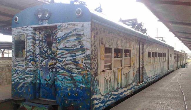 Trens estão parados desde quinta, 9 - Foto: Edilson Lima | Ag. A TARDE