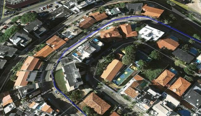 Ladrão abordou vítima na Rua Silvino Marquês, no Morro do Ipiranga, na Barra - Foto: Google Earth
