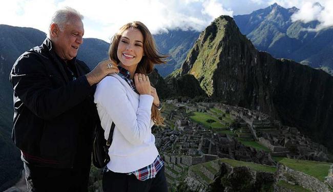 Antonio Fagundes e Paola Oliveira gravam cenas em Macchu Picchu - Foto: Divulgação