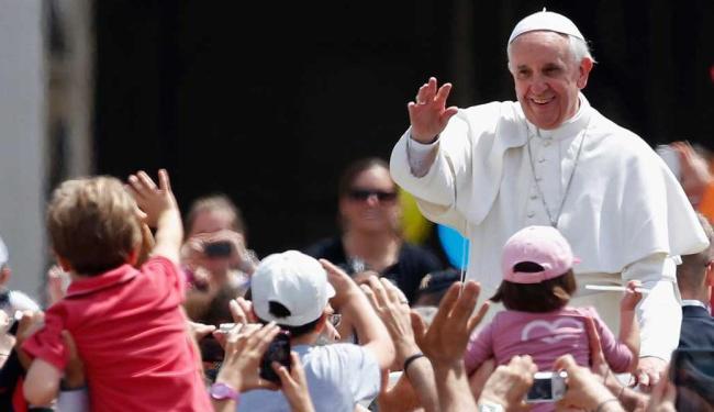 Papa canonizou duas freiras latino-americanas e 800 mártires italianos - Foto: Agência Reuters