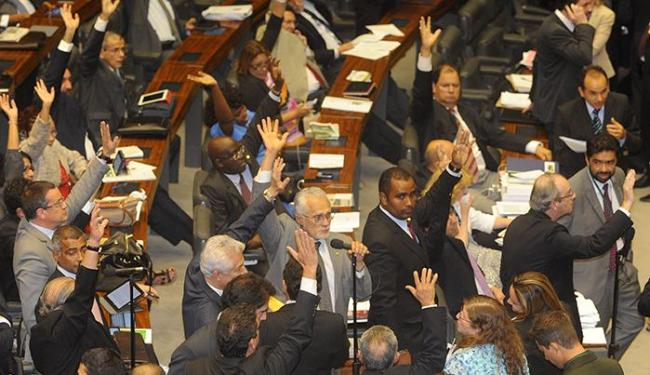 A matéria segue agora para o Senado onde tem que ser votada até a meia-noite - Foto: Agência Brasil