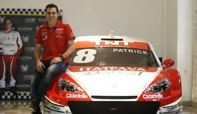 Segundo Patrick, Stock tem semelhanças como veículo de rua, mas está adaptado às pistas de corrida - Foto: Raul Spinassé / Ag. A Tarde