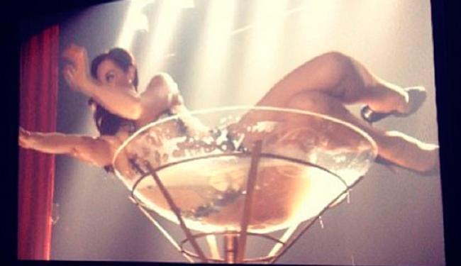 Vilã será mostrada em ação como stripper no último capítulo da trama - Foto: Reprodução   Instagram