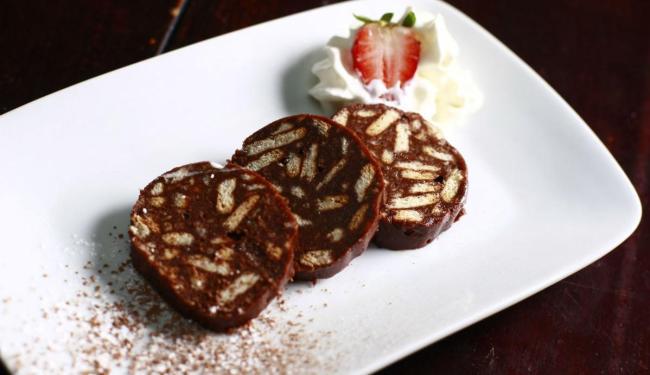 Da Itália, o tiramisù e o salame de chocolate agradam ao paladar baiano - Foto: Fernando Vivas | Ag. A TARDE