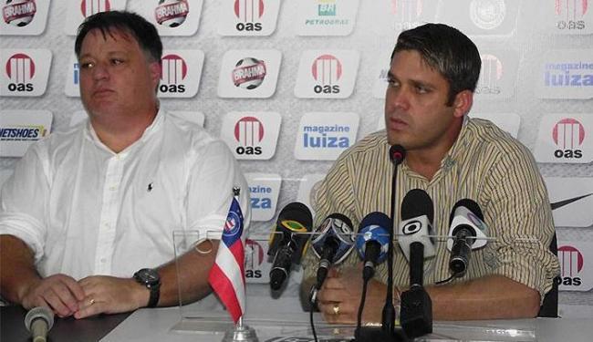 Ao lado do novo diretor de futebol tricolor, Marcelinho diz que precisa de calma para trabalhar - Foto: Divulgação l Esporte Clube Bahia