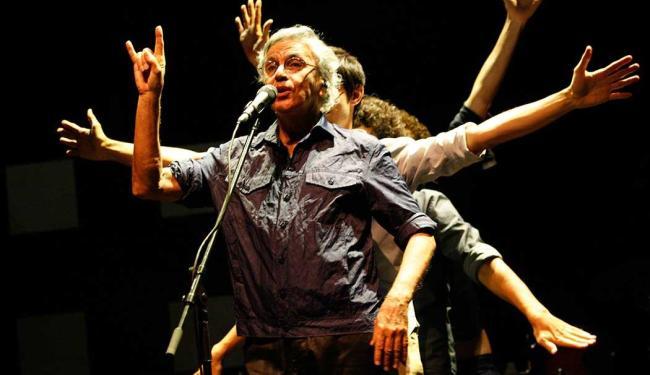 Caetano apresentou-se mais rock n roll do que nunca - Foto: Margarida Neide   Ag. A TARDE