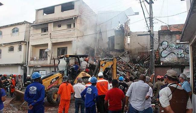 Prédio vizinho a explosão não teve estrutura comprometida - Foto: Joá Souza | Ag. A TARDE