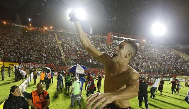 Gabriel Paulista (foto) e Deola não devem jogar quarta na Fonte Nova pela Copa do Brasil - Foto: Raul Spinassé / Ag. A TARDE