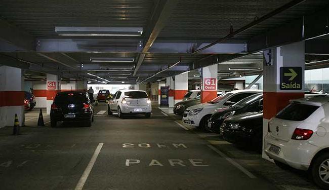 Em visita a 13 estacionamentos privados, equipe de reportagem flagrou irregularidades - Foto: Dorivan Marinho / Ag. A TARDE