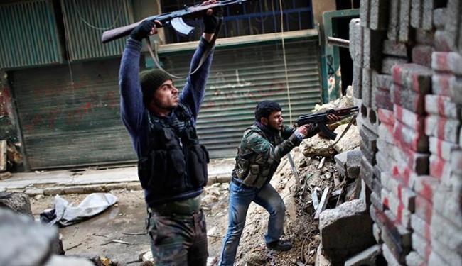 Conflitos já causaram, desde março de 2011, a morte de mais de 80 mil pessoas - Foto: Agência Reuters