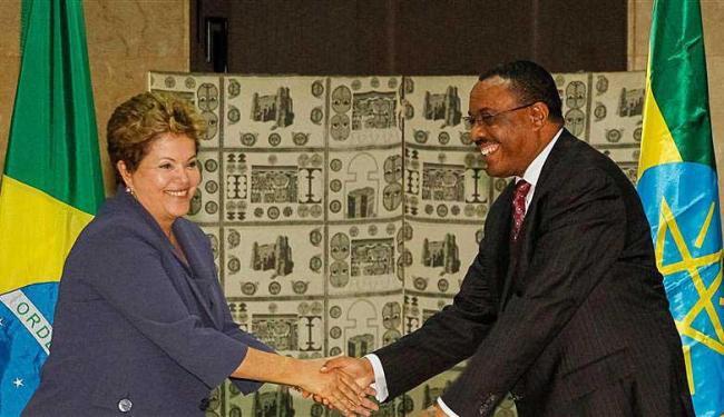 Dilma cumprimenta o primeiro-ministro da Etiópia, Hailemariam Desalegn - Foto: Agência Reuters