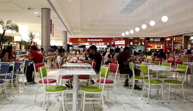 Os principais shoppings da cidade vão funcionar normalmente no feriado - Foto: Eduardo Martins | Ag. A TARDE