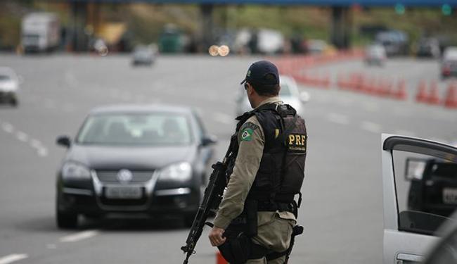 BRs terão equipes táticas de outros estados, um helicóptero e motopoliciamento - Foto: Raul Spinassé | Ag. A TARDE