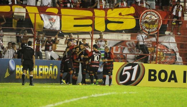 Na despedida dos Aflitos, Leão vence primeira fora de casa apoiado - Foto: Antonio Carneiro | Folhapress