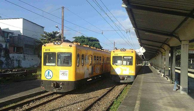 Apenas um trem opera nesta sexta, por conta da falta de manutenção dos trilhos - Foto: Edilson Lima | Ag. A TARDE