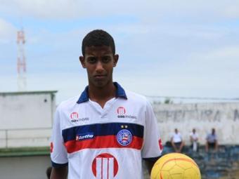 O lateral Alef, 16, com passagem pela Seleção sub-17, é um dos que podem deixar o Bahia - Foto: Esporte Clube Bahia / Divulgação