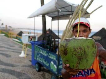 Água de coco ajuda a controlar níveis de glicose no sangue - Foto: Edson Ruiz | Ag. A TARDE