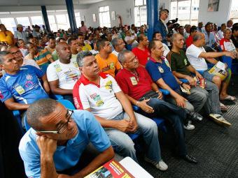 Rodoviários decidiram pela greve em duas assembleias realizadas nesta quarta - Foto: Marco Aurélio Martins   Ag. A TARDE