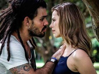Ninho e Paloma ficam com a certeza de que Bruno roubou a menina - Foto: Divulgação   TV Globo
