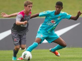 Por falta de recolhimento de FGTS, Bahia perde Alef (à direita); jogador pode ir para o Vitória - Foto: Rafael Ribeiro | CBF