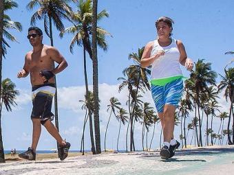 Segundo pesquisa, mulheres malham mais para controlar o peso do que homens - Foto: Dorivan Marinho   Ag. A TARDE
