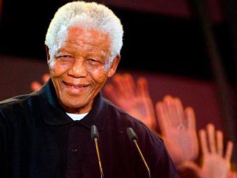 Porta-voz da presidência informou o estado de Mandela se agravou durante a noite - Foto: Jon Hrusa | EFE