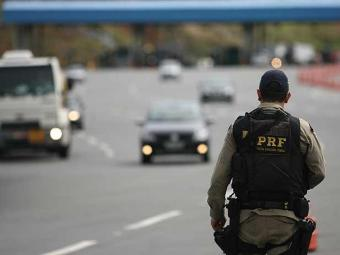 Polícia Rodoviária Federal é responsável pelo policiamento de 70 mil km de rodovias - Foto: Raul Spinassé | Agência A TARDE