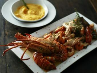 Vinhos, brandies e cachaças realçam o sabor de carnes, como o pernil, frutos do mar e sobremesas - Foto: Fernando Vivas| Ag. A TARDE