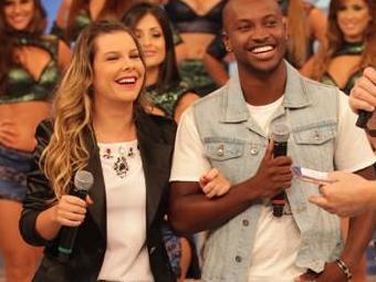 Fernanda Souza foi pedida em noivado por Thiaguinho - Foto: Divulgação