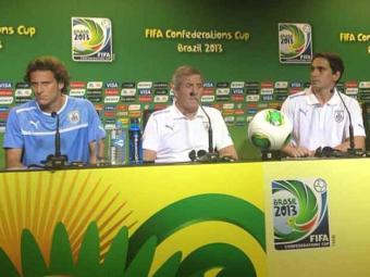 Técnico da seleção uruguaia confirma Forlán como titular no jogo desta quinta contra a Nigéria - Foto: | Ag. A TARDE