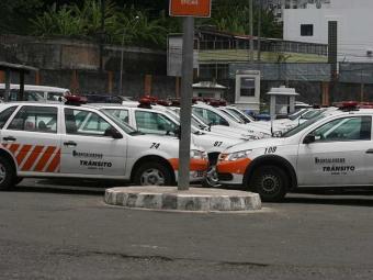 Grupo ameaçou invadir a sede da Transalvador e tentou atear fogo em viatura - Foto: Arestides Baptista   Arquivo   Ag. A TARDE