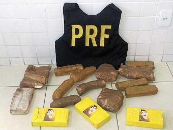 Droga foi localizada na carroceria do veículo - Foto: Divulgação | PRF