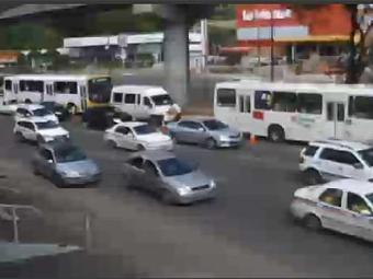 Na Avenida Bonocô, trânsito segue intenso - Foto: Reprodução   Vejoaovivo