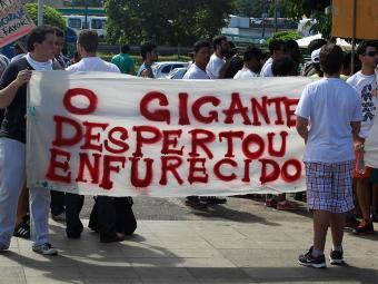 No sábado, manifestantes voltaram às ruas para protestar - Foto: Lúcio Távora | Ag. A TARDE