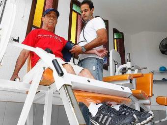 Musculação em idosos ajuda a melhorar autoestima e equilíbrio - Foto: Eduardo Martins | Ag. A TARDE