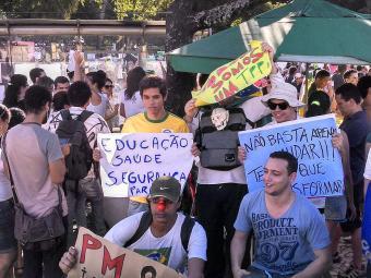 Grupos se expressam contra quase tudo - Foto: Juracy dos Anjos | Ag. A TARDE